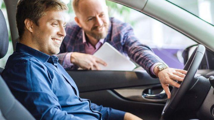 Kto kupuje samochody używane w Internecie?